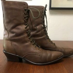 Vintage Acme Scalloped Metal Tip Granny Boots